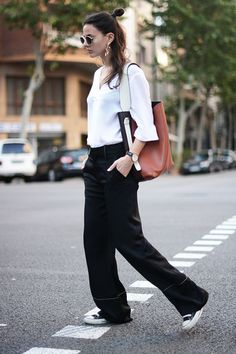 10 Minimal Looks To Look Chic All Summer