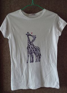 Hand painted shirt Kissing giraffes hand painted by WearBeauty