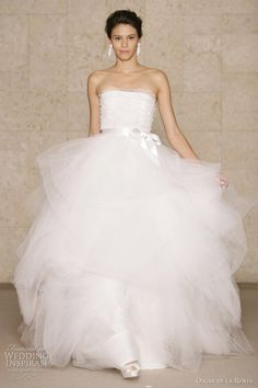 Oscar de la Renta Bridal 2011 Fall - white scalloped lace and tulle embroidered ball gown wedding dress
