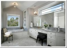 love the long counters and built in tub surround