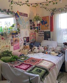 Room Design Bedroom, Room Ideas Bedroom, Bedroom Inspo, Bedroom Decor, Indie Room Decor, Cute Room Decor, Aesthetic Room Decor, Study Room Decor, Small Room Decor