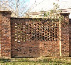 Patio Garden Wall Bricks Ideas For 2019 Brick Wall Gardens, Brick Garden, Brick Fence, Concrete Fence, Front Yard Fence, Farm Fence, Bamboo Fence, Backyard Fences, Fence Landscaping