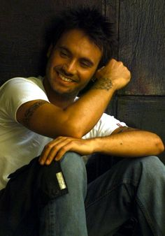 Filippo Neviani is known as Nek. Italian singer.