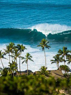 Big days in Hawaii. Photo: Greg Gyselinck