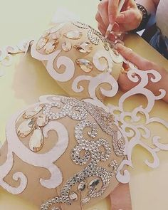 Процесс создания наших любимых костюмов... #masterskaya58 #masterskayaprocess #sewing #bellydancedesigner #bellydancecostume #bellydance #bellyfashion #bellydress #orientalshow #oriental #ordercostume #костюмназаказ #купитькостюм #заказатькостюм #ручнаяработа #эксклюзив #восточныйкостюм #dance #crystals #стразы