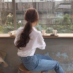 Aesthetic Hair, Korean Aesthetic, Aesthetic Photo, Aesthetic Clothes, Look Fashion, Korean Fashion, Vogue Fashion, Ulzzang Korean Girl, Ulzzang Style