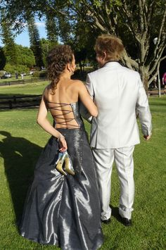 prom poses for couples | The back of her dress. She designed her own dress!