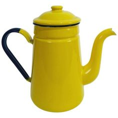Vintage Yellow Tea Pot ($55) ❤ liked on Polyvore featuring home, kitchen & dining, teapots, coffee & tea sets, yellow tea set, yellow teapot, yellow tea pot, vintage teapots and vintage tea pots