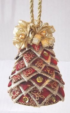 Small Quilted Christmas Tree on Etsy check it out 🎄 Quilted Fabric Ornaments, Quilted Christmas Ornaments, Handmade Christmas Tree, Christmas Sewing, Christmas Tree Ornaments, Decoration Originale, Christmas Crafts, Creations, Gold Accents