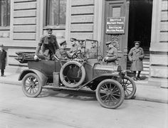 MINISTRY INFORMATION FIRST WORLD WAR OFFICIAL COLLECTION (Q 3707) No caption. British Military Police headquarters? But where?