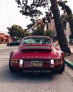 New old cars vintage porsche 911 63 Ideas Porsche 356, Singer Porsche, Porche 911, Porsche Club, Singer 911, Porsche Carrera, Porsche Classic, Classic Cars, Timeless Classic