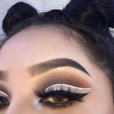 Brows: @anastasiabeverlyhills ( Eyebrow Pomade In Ebony & Brow Powder Duo ) Eyes: @Doseofcolors Baked Browns Eyelashes: @Acebeaute Lolo Pm White Eyeliner: @Nyxcosmetics Black Eyeliner: @Tartecosmetics #Anastasiabeverlyhills #AnastasiaBrows
