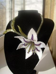 Beading Tutorials, Flower Necklace, Beaded Embroidery, Seed Beads, Collars, Projects To Try, Floral, Jewelry, Fashion