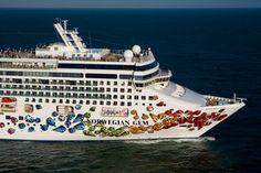 Norwegian Gem Exteriors and Pool Areas: Norwegian Gem Cruise Ship