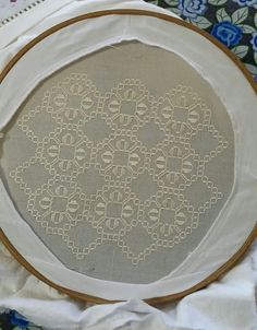 Latest Embroidery Designs, Embroidery Patterns Free, Bargello, Different Stitches, Hardanger Embroidery, Embroidery Fashion, Embroidery Techniques, Needlework, Diy And Crafts