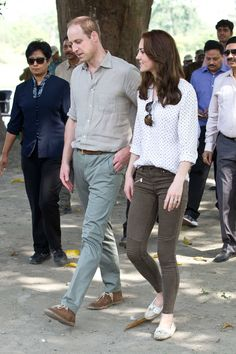The Royal couple dressed down in khaki (Kate in a spotty shirt and Zara jeans) for a visit Kaziranga National Park. - HarpersBAZAAR.co.uk