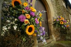 church wedding sumer flowers - Buscar con Google