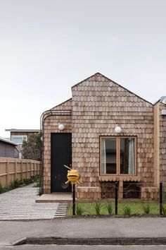 Wood Shingles, Wood Siding, Wood Facade, Shingle Siding, Built In Bathtub, Melbourne House, Modern Cottage, Built In Cabinets, Open Plan Living