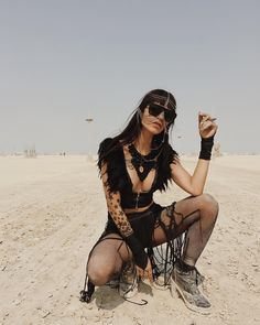 Burning Man Women's Fashion. Festival Looks, Festival Mode, Festival Wear, Festival Outfits, Festival Fashion, Burning Man Outfits, Burning Man Girls, Burning Man Fashion, Poses