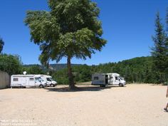 Camperplaats Les Salles sur Verdon - Parking - Frankrijk Camper, Parking, In 2015, Where To Go, Provence, Recreational Vehicles, Places To Visit, Europe, Vacation