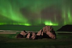 Anyone can learn how to photograph Northern Lights. Avoid missing your shot because of wrong camera settings. Learn the important tricks here Landscape Photography, Nature Photography, Photography Tips, Norway Travel, Lofoten, Camera Settings, Aurora Borealis, Trip Planning, Adventure Travel