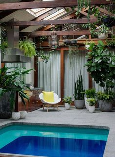 7 piscinas de interior para quitarnos el mono de verano #hogarhabitissimo