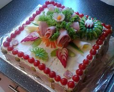 Můj slaný dort :) Sandwich Cake, Sandwiches, Cute Food, Good Food, Appetizer Recipes, Appetizers, Salad Cake, Food Decoration, Savoury Cake