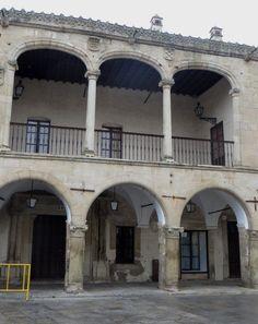 Palais Renaissance (1550) des Orellana Toledo, marquis de Piedras Albas, Plaza Mayor, Trujillo, province de Caceres, Estrémadure, Espagne.