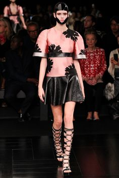 Vanessa Moody for Alexander McQueen Spring 2015 Ready-to-Wear