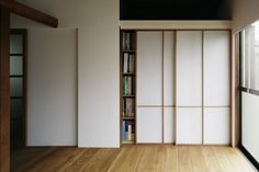 障子 | toolbox Deco Zen, Tatami Room, Interior Styling, Interior Design, Japanese House, Bauhaus, Windows And Doors, Art Deco, Architecture
