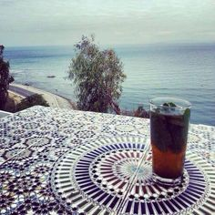 thé à la menthe Mint Tea, Outside World, Tea Recipes, Image Sharing, Find Image, Moroccan, Beach Mat, Alcoholic Drinks, Outdoor Blanket