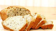 Une recette simple de pain aux bananes - Recettes de cuisine, trucs et conseils - Canal Vie