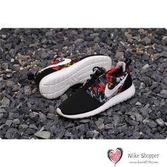 7079d54f35d Nike Roshe Run Womens Mens Shoes Black Floral White