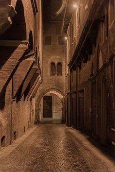 Italy  - Emilia Romagna Region  - Bologna Via De'Foscherari, foto di Marco Colombari -Foscherari street