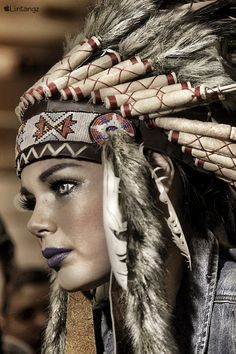 Native American Totem, Native American Tattoos, Native American Headdress, American Indian Girl, Native American Girls, Native American Pictures, Mujeres Tattoo, Hannya Tattoo, Aztec Tattoo Designs