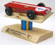 Quot Trophy Quot Stand For Pinewood Derby Cars Cub Scout Ideas