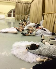 """I used to nap in awkward ballerina positions like that too! Lol tsiskaridze: """"Meanwhile, at Vaganova Ballet Academy… """" Ballet School, Ballet Class, Ballet Dancers, City Ballet, Ballet Pictures, Dance Pictures, Dance Hip Hop, Dance Aesthetic, Vaganova Ballet Academy"""