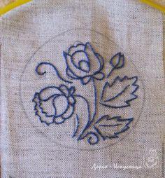 Kanaviçe Broş Nasıl Yapılır? , #broşyapımıanlatımlı #elnakışıörnekleri #elyapımıbroşlar #gömlekyakaiğnesiyapımı , Kanaviçe modellerinden adım adım yapılışı ile birlikte şık bir el yapımı broş modelleri hazırladık. Kanaviçe kolye modelleri olarak da ... Embroidery Neck Designs, Embroidery Works, Crewel Embroidery, Embroidery Patterns, Handkerchief Embroidery, Patch Aplique, Flower Patterns, Blackwork, Needlework