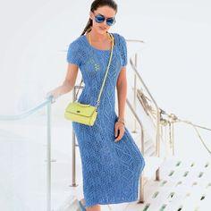 Ажурное платье спицами Макси-платье с замысловатыми рельефными и ажурными узорами будет прекрасно смотреться на хорошей фигуре.              РАЗМЕРЫ  36/38  ВАМ ПОТРЕБУЕТСЯ  Пряжа (97% хлопка, 3% полиэстера; 125 м/50 г) — 600 г синей…