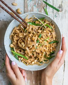 Looking for a quick and easy dish you can throw together in 15 minutes? Try these spicy sichuan noodles! They're also healthy, vegan, and gluten-free!