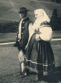 Mountain Village, Folk Costume, Old Photos, Retro, Folk Clothing, Pictures, Painting, Inspiration, Embroidery