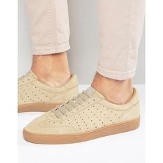 Fred Perry Umpire Suede Sneakers ($110) ❤ liked on Polyvore featuring men's fashion, men's shoes, men's sneakers, tan, mens suede sneakers, mens perforated shoes, fred perry mens shoes, mens tan suede shoes and mens lace up shoes