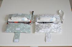 Omdat ik mijn mond er niet over kon houden wisten twee zwangere collega-vriendinnen al lang dat ik een luieretui voor ze zou maken. Ze wi... Baby Hands, Children, Kids, Knit Crochet, Sewing Projects, Decorative Boxes, Baby Boy, Knitting, Handmade