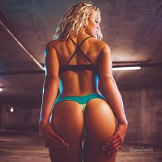 """Lauren Drain Kagan en Instagram: """"#HumpDay brought to you by @ohrangutang •••• This bum was EARNED and built. See my link in my bio or visit www.laurendrain.com to check out my booty programs that I have used to grow my own. •••• #fitnessmodel #squat #squats #fitness #glutes"""""""
