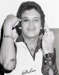 """Tengo Pollo Saborsito"" - Hector Lavoe with black eye Pablo Emilio Escobar, Pablo Escobar, Famous Latinos, Kid Capri, Musica Salsa, Salsa Music, Latin Music, Puerto Ricans, Music Is Life"