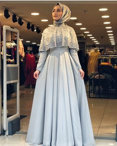 New Dress Fashion Photography Chic Ideas Muslim Prom Dress, Hijab Prom Dress, Muslimah Wedding Dress, Hijab Style Dress, Hijab Wedding Dresses, Muslim Hijab, Bridesmaid Dress, Chic Dress, Muslim Fashion