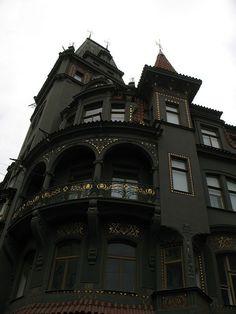 Victorian House www.steampunktendencies.com/post/89856819109