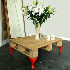 DIY Recycled Pallet Side Table Projects.