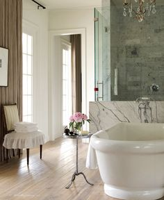 love the little stand next to the bath
