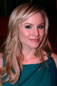 Kristen Bell Hair Gum Holiday Party (664×1000)